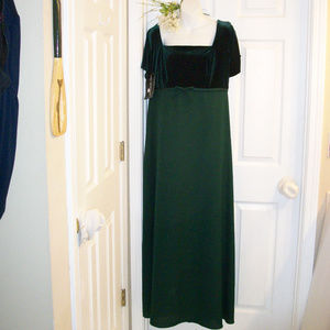 Von Bramlett Evergreen Ball Gown Velour Bodice NWT